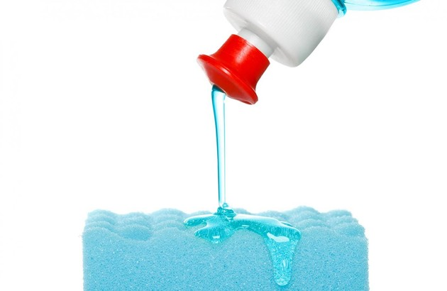 Nettoyer avec du liquide vaisselle