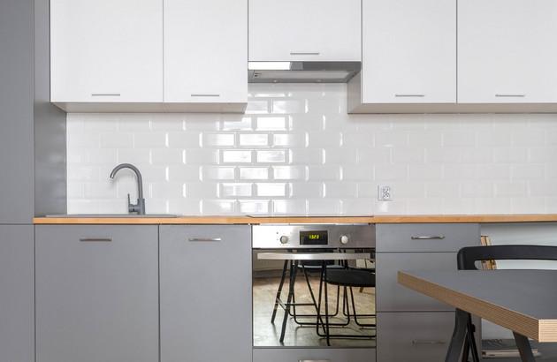 Créez une crédence design dans la cuisine avec le carrelage métro