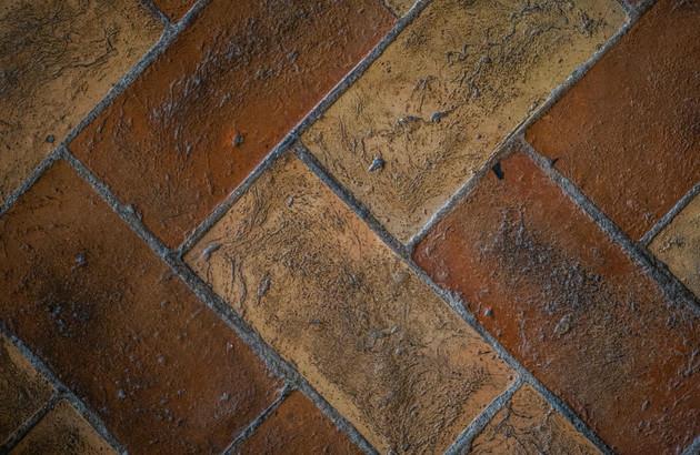 Carrelage en terre cuite rustique