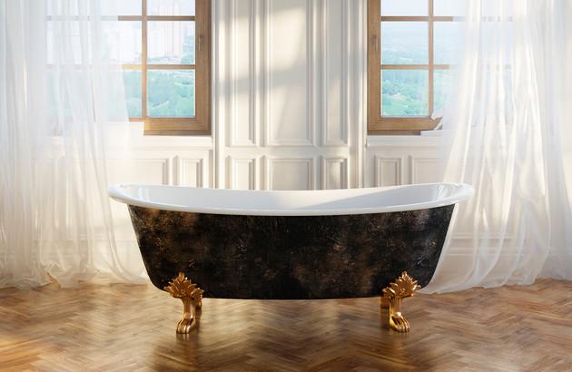 Baignoire à pattes de lion dans une salle de bains rétro