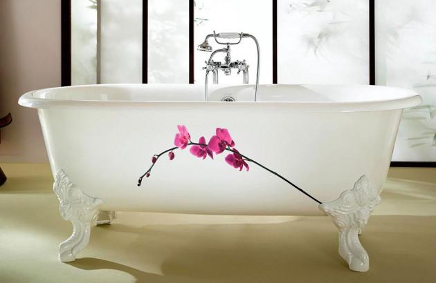 Salle de bains à l'ambiance chaleureuse avec la baignoire ilot Axor Massaud