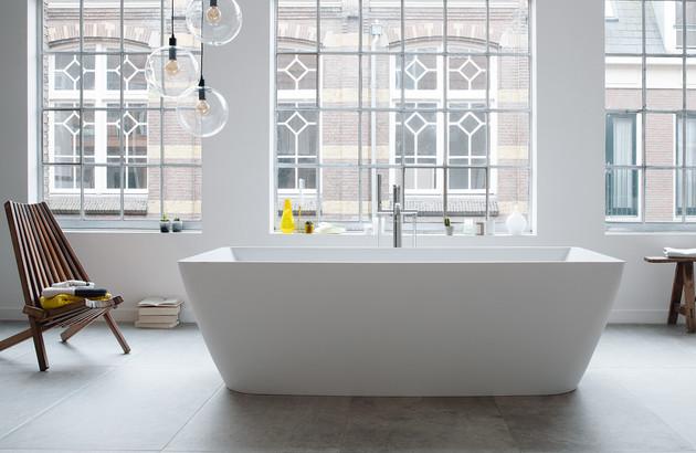 baignoire ilot pour une touche de luxe dans la salle de bains