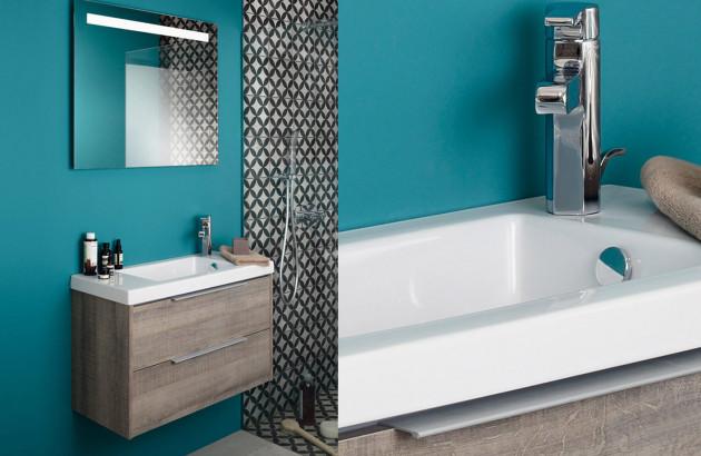Meuble de salle de bains en bois foncé
