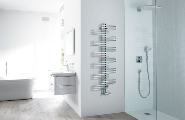 Sèche-serviettes à eau chaude Yucca Zehnder pour une salle de bains top tendance