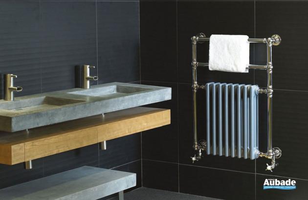 Sèche-serviettes Victor SR dans une salle de bains classique