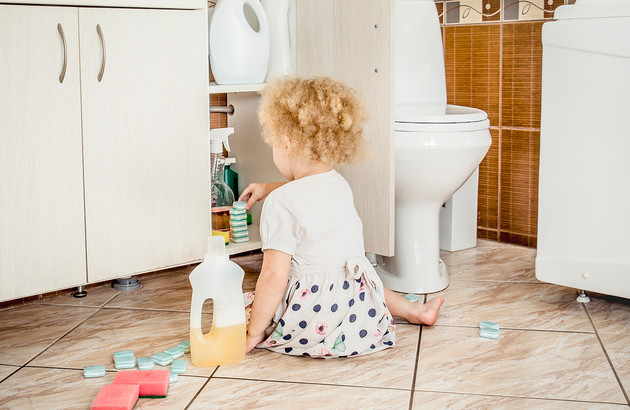 comment-securiser-la-salle-de-bains-pour-les-enfants-1