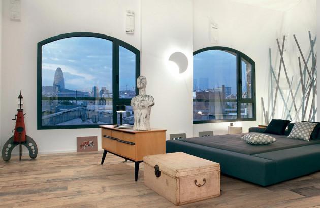 Une chambre sublimée par du carrelage Ceramica imitation bois/parquet