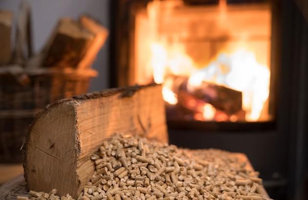 Le bois comme combustible au chauffage à énergie renouvelable