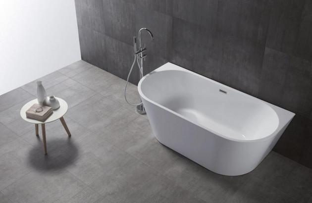 Baignoire ovales dans une salle de bains