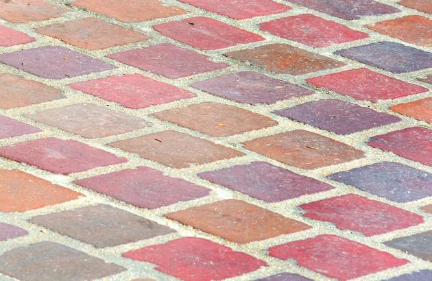 tomettes colorées au sol