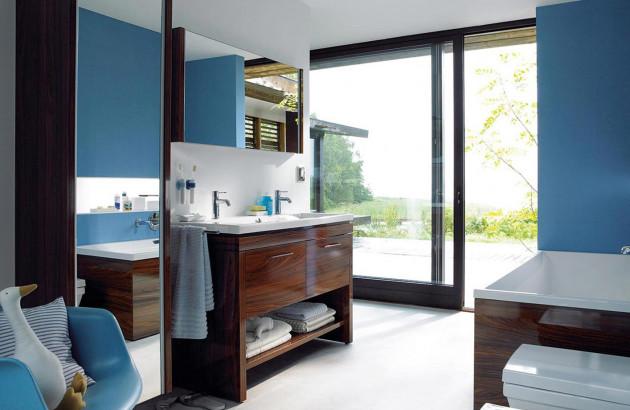 Une salle de bains organisée