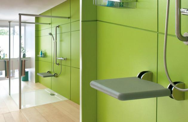 Une douche avec un accès simple et pratique
