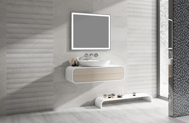Salle de bains avec carrelage Totem Wall de Tau Ceramica