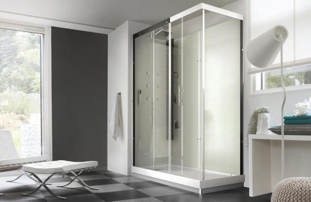 cabine de douche équipée