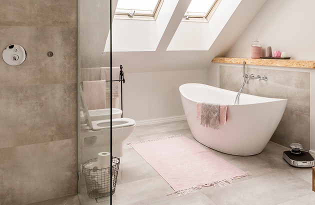 Des idées pour aménager une salle de bains dans les combles ...