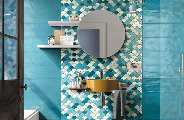 Le carrelage bleu: la grande tendance dans la salle de bains