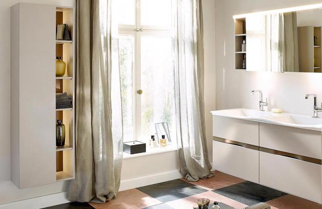 Sélection de niches et étagères pour une salle de bains organisée