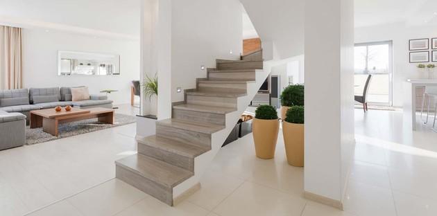 Escalier en carrelage effet marbre