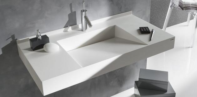 Des vasques de toutes formes et toues marques, pour une salle de bains singulière à souhait.
