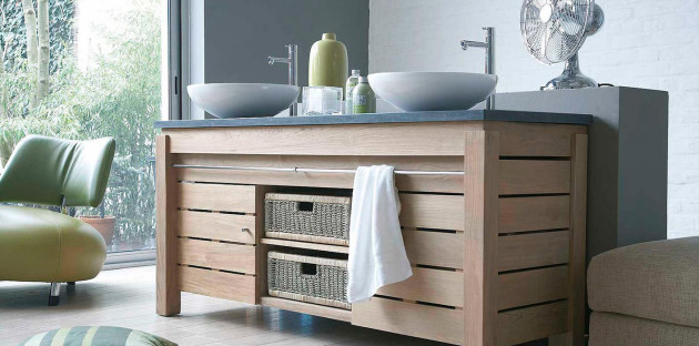 Meuble de salle de bains en bois