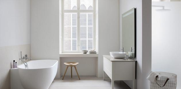 La salle de bains blanche, loin d'être monotone!