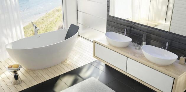Baignoire îlot dans une belle salle de bains