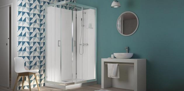 Cabine de douche fermée