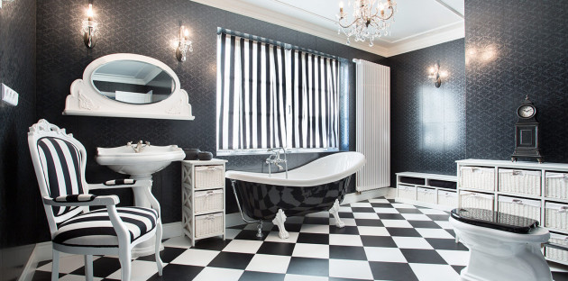 Papier peint dans salle de bain