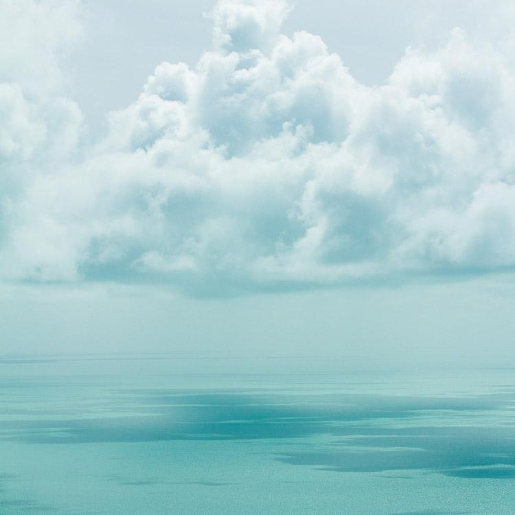 Mer bleu turquoise nuage
