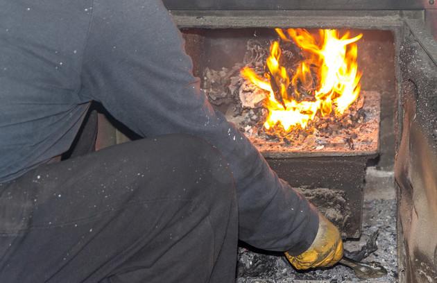 comment nettoyer un poêle à bois en fonte