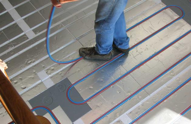 L'installation d'un plancher chauffant réversible