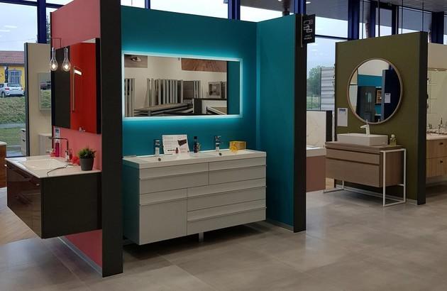 Meubles salle de bains dans le showroom Comafranc Pontarlier