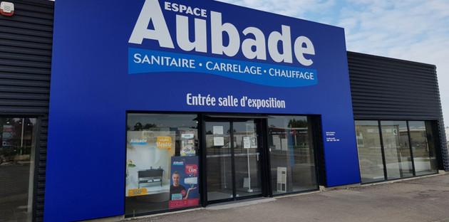 Facade avant de la nouvelle salle d'exposition Somatem Chalon Saint Martin