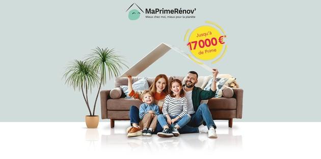 Famille heureuse de pouvoir profiter de l'offre MaPrimeRénov'
