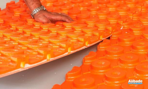 Plancher chauffant Schluter systems panneaux à plots pour chape fluide BEKOTEC