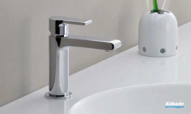 Mitigeur lavabo médium avec vidage Delta de Cristina