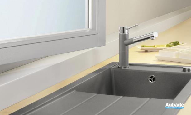 évier sous meuble BlancoMevit XL 6S peut se positionner facilement sous une fenêtre