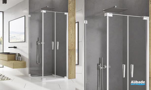 Paroi avec portes battantes Ophalys finition profilé poli brillant et verre transparent de la marque SanSwiss