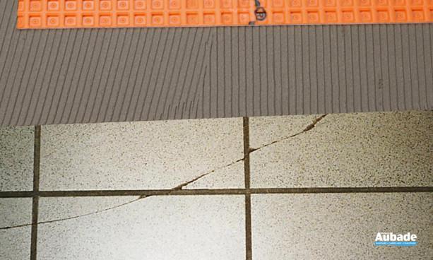 Poser un carrelage sur un sol carrelé fissuré avec un plancher chauffant en sous-face? OUI!