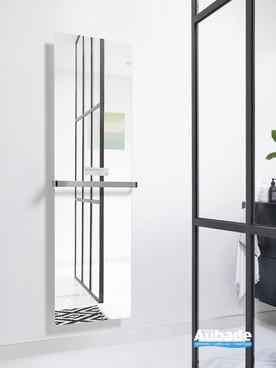 Radiateur sèche-serviettes Claris électrique façade en verre miroir de la marque Acova