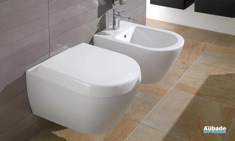 WC suspendu équipé d'une cuvette à fond creux Subway 2.0 Compact de Villeroy & Boch