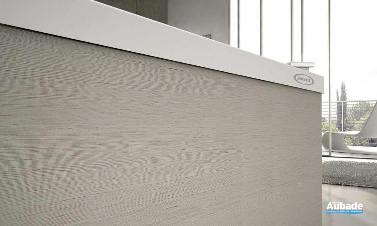 Cette baignoire Sharp existe en 3 finitions: acryliques, blanc cérusé, bois veiné