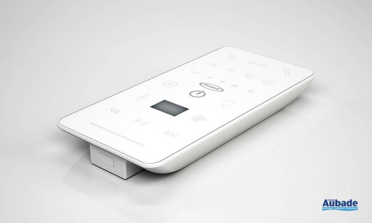 Baignoire balnéo Sharp de Jacuzzi et sa télécommande intuitive
