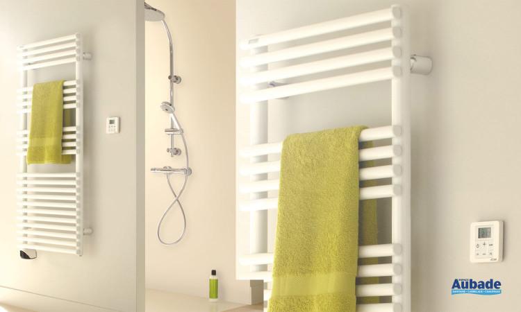 Sèche-serviettes modèle blanc eau chaude Cala d'Acova