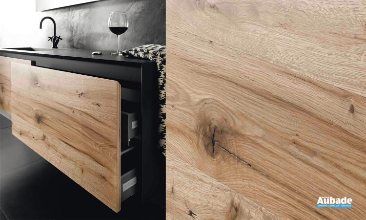 Mobilier de salle de bain en bois vintage et plan vasque noir