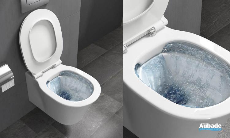 Pack WC suspendu sans bride avec abattant ultra fin frein de chute Amazi élaboré par la marque Ideal Standard