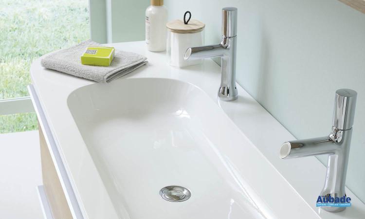 Meuble sous-vasque avec plan percé pour accueillir 1 ou 2 robinets de la gamme Morena par Sanijura
