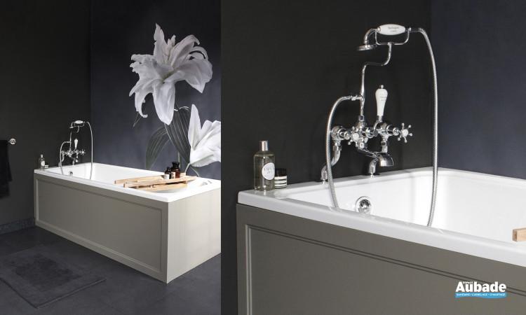 Si vous souhaitez assortir votre baignoire à votre meuble salle de bains, nous proposons une gamme de baignoires avec le choix du coloris du tablier