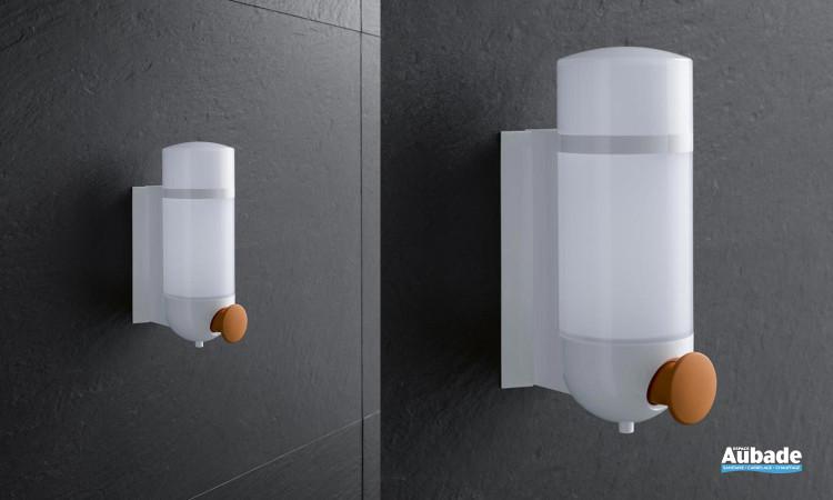 distributeur de savon adapté PMR d'Hewi système 800 k