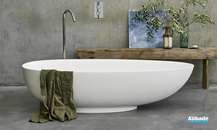 Baignoire îlot ovale contemporaine Teardrop Bath de Clearwater 02